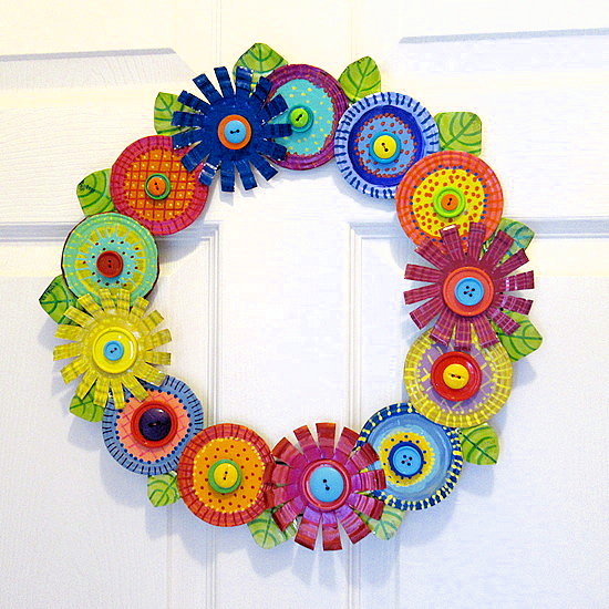 tin wreath feature