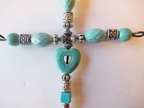 favor cross center beads