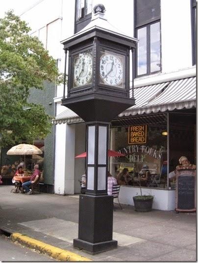 IMG_7782-Lumbermans-Bank-Clock-July-