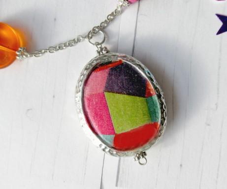 napkin necklace #3 closeup