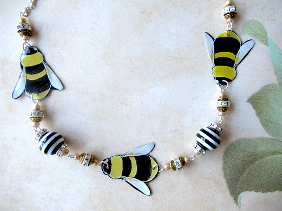 tin bee necklace whole closeup