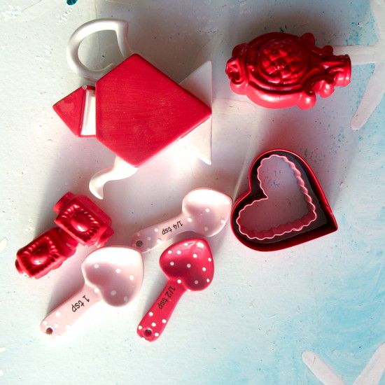 red collection wind chime