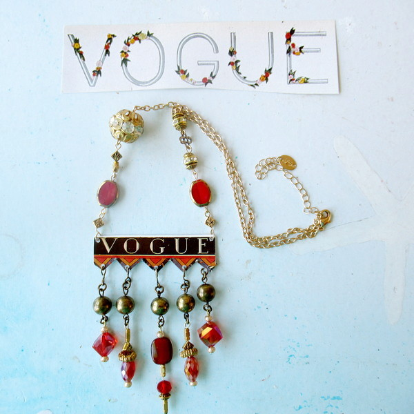 vogue necklace Christmas 1924 feature