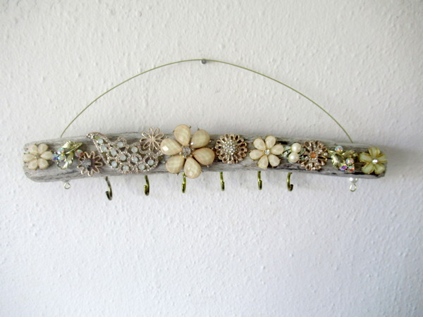 driftwood jewelry holder for blog