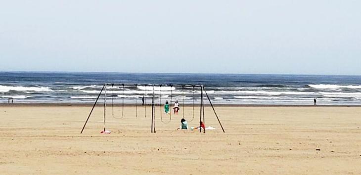 seaside swings 1